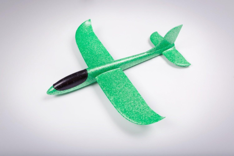 Бумеранг зелёный/ от 5 лет дальность полёта до 30 метров