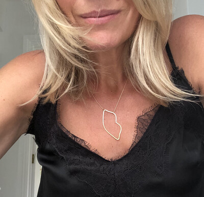 Lucia Lips Necklace