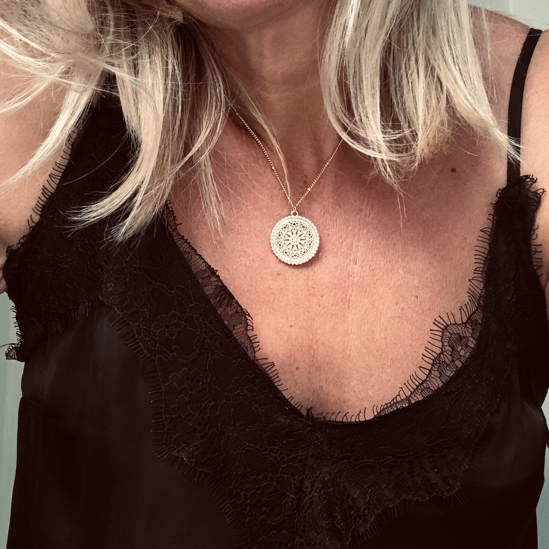 Filigree Short Necklace