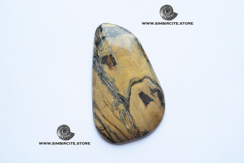Кабошон из сенгилита 62*35*3 мм