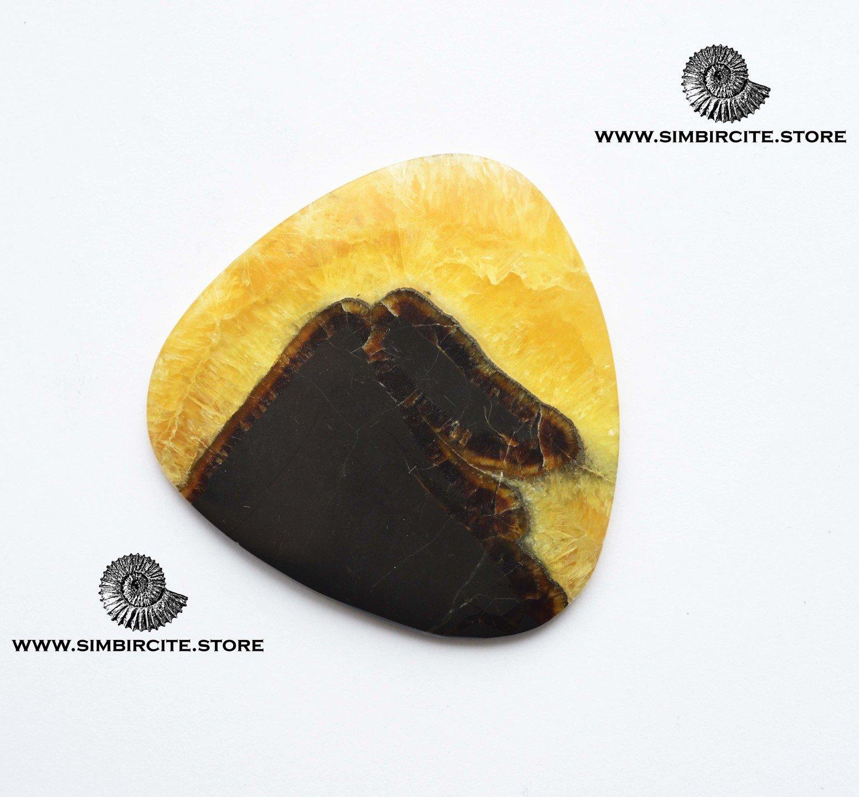 Симбирцитовый кабошон 52*50*3 мм
