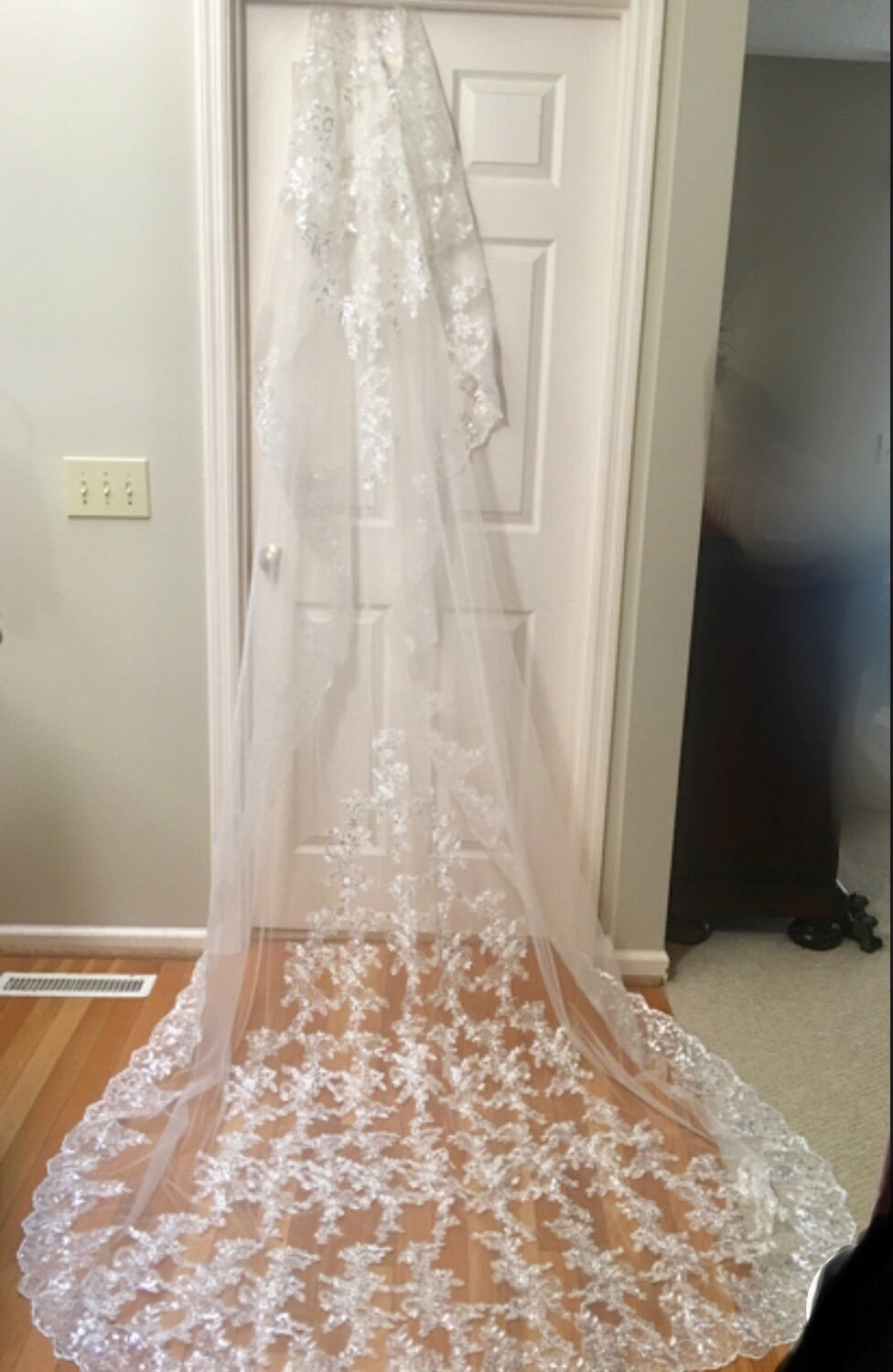 White or ivory  lace appliqué  Cathedral veil 3m/10 ft
