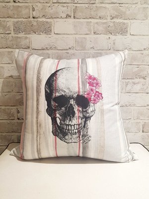 Skully printed on Stripe Orchid