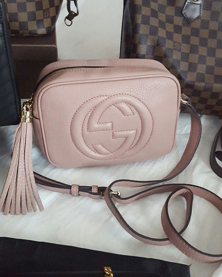 1a1bc971cf30 IN STOCK - Gucci Soho leather disco bag - Rose Beige
