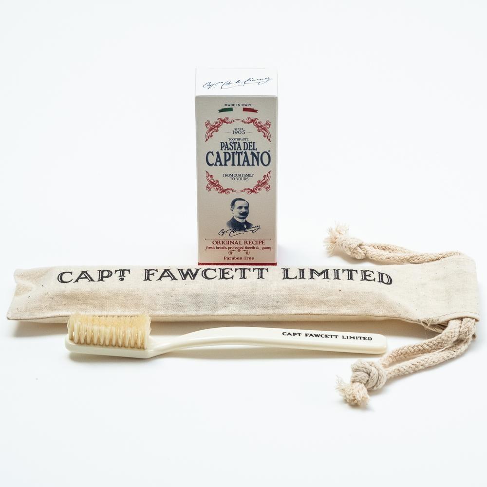 CAPTAIN FAWCETT Зубная щетка с натуральной щетиной