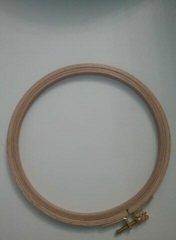 Borduurring hout - 15 cm