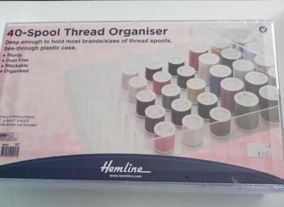 Handig je naaigaren bij elkaar houden via deze box! Plaats voor 40 garen