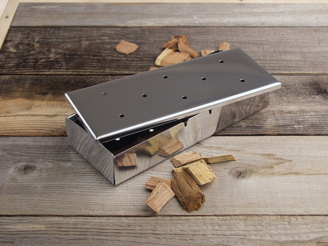 Charcoal Companion-Stainless Smoker Box with lid 0050016730217