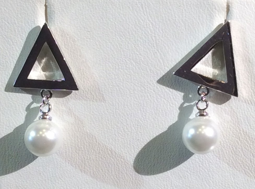 High Polished Silver Pearl Post Earrings 00012