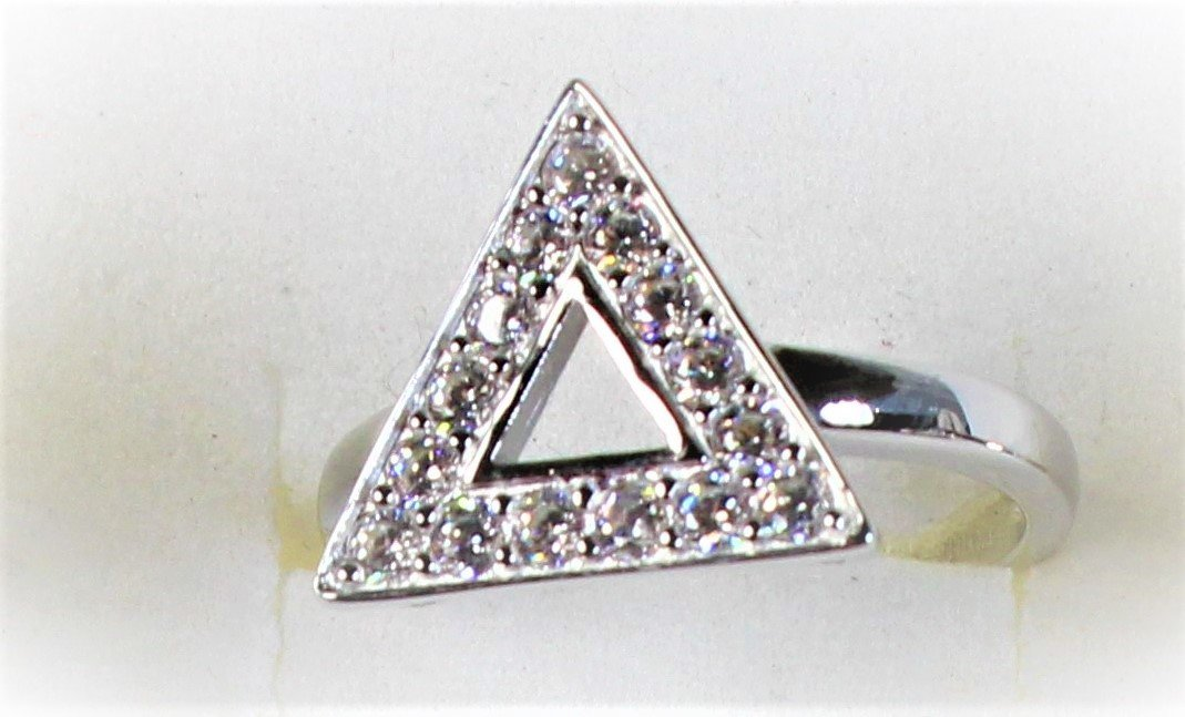 Sterling Silver New Pyramid Ring Large Stones 00015