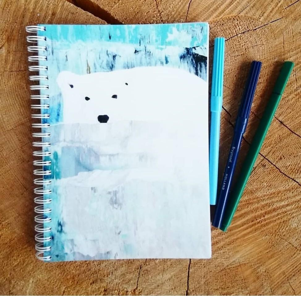 """""""Uiva jääkarhu"""" kierrevihko A5"""