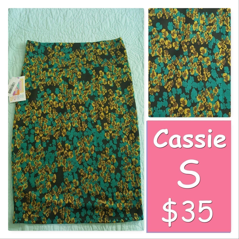 Cassie Small (S) LuLaRoe Womens Skirt