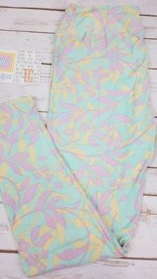 Tall and Curvy (TC) Adult Floral LuLaRoe Leggings