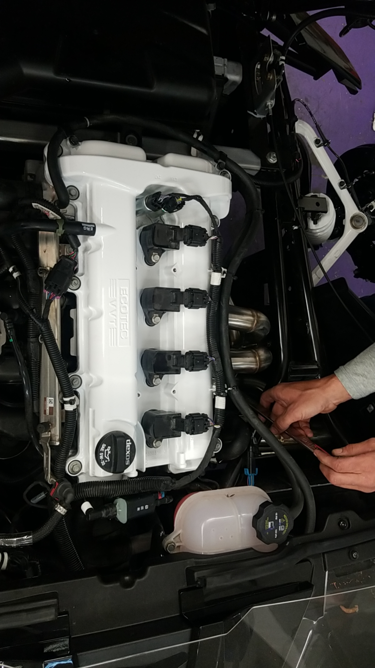 Powder-coated Valve Cover