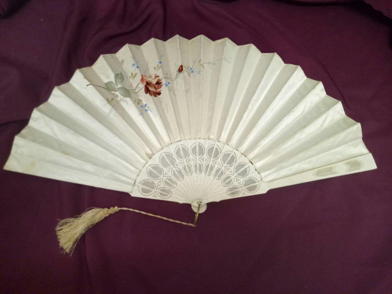 Bone Handled Silk Fan-400-130a