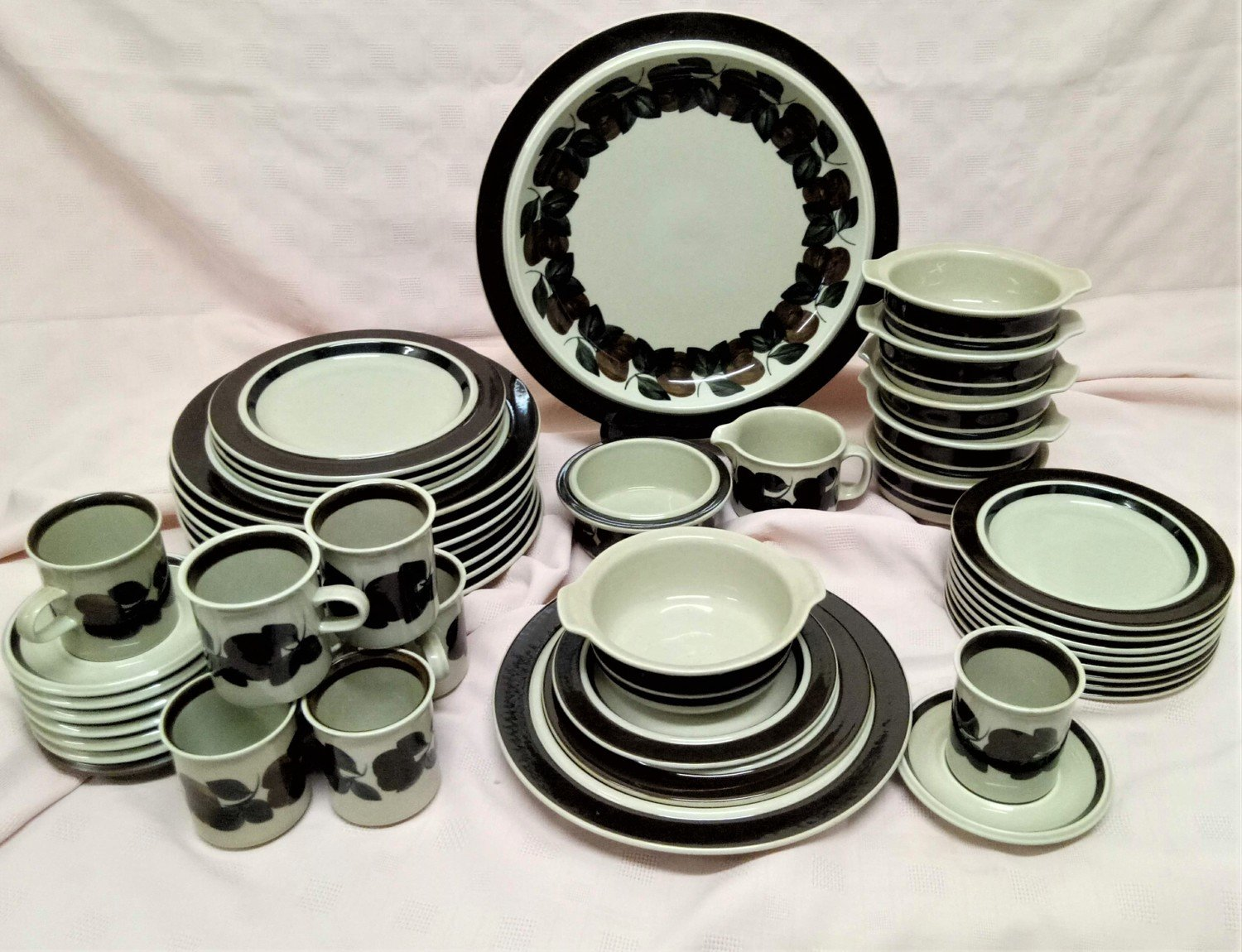 Dinner Set by Ruija for Arabia Finland,1970 #325- 50