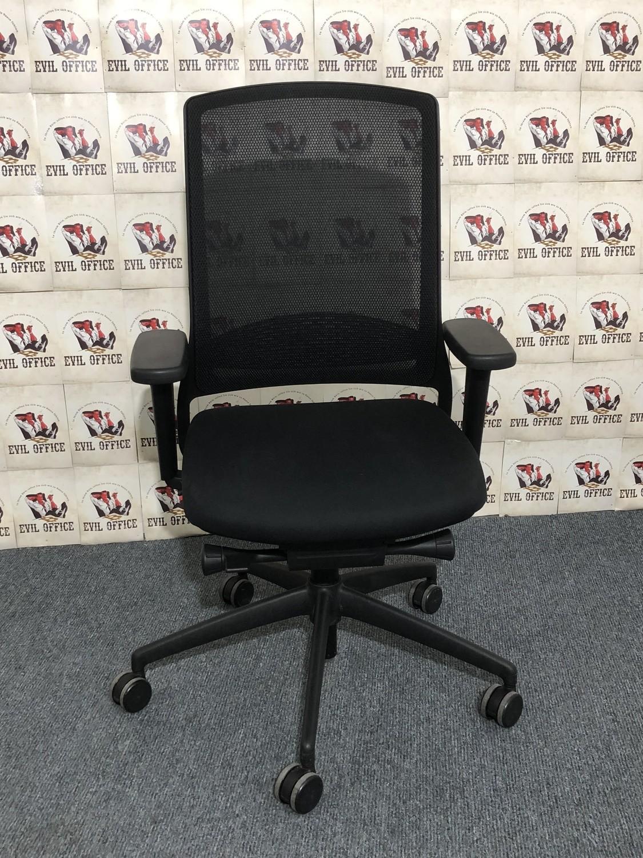 Bürodrehstuhl von Gispen in Schwarz mit Netzrücken