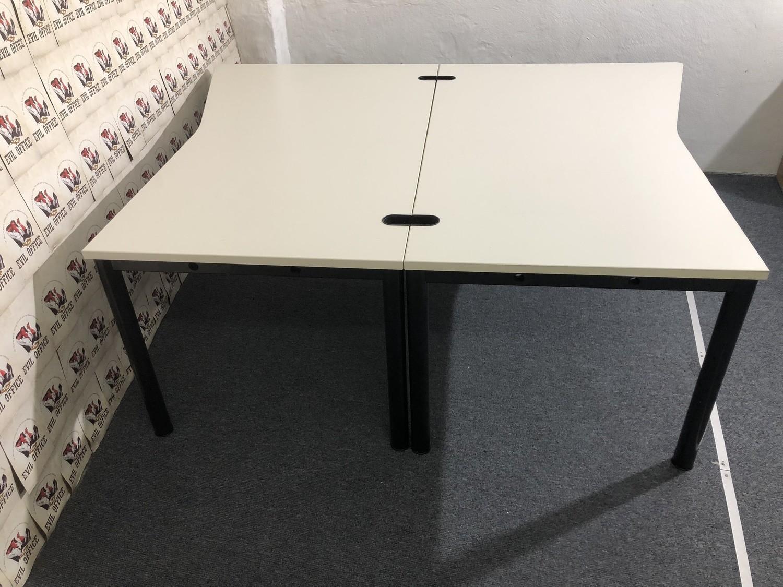 Set 2 St. Schreibtisch von König Neurath 160x200-160cm