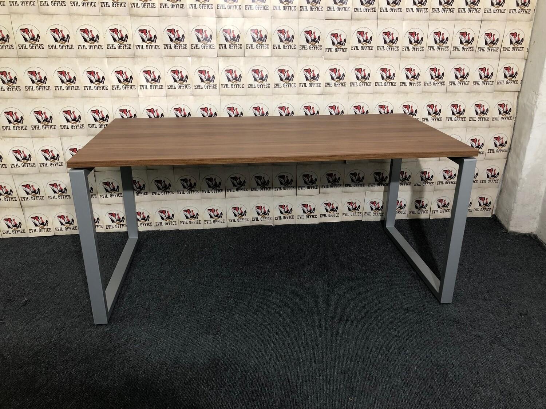 Schreibtisch von Ceka Aleo Nussbaum / Silbergrau 160cm