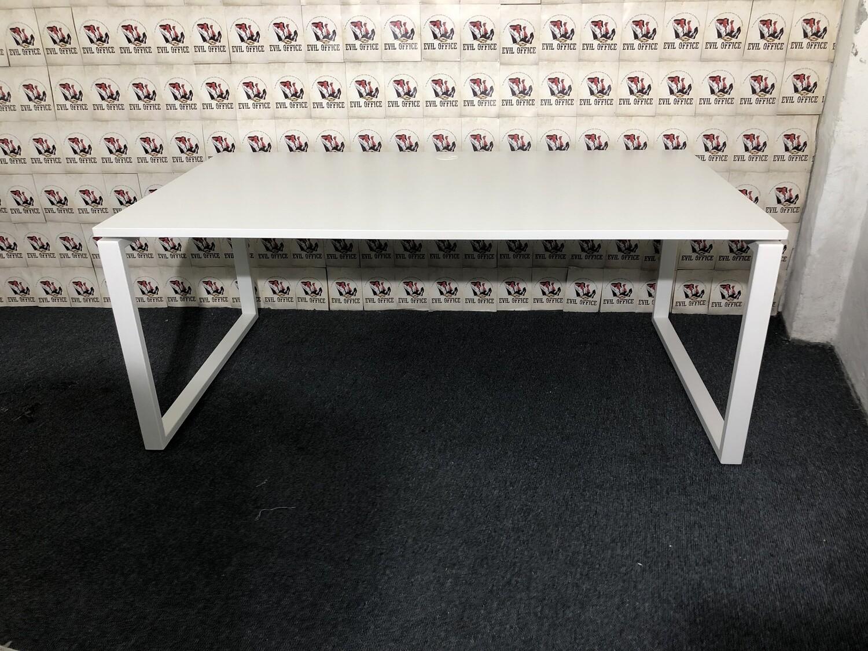 Schreibtisch von Bejot in Weiß 180cm
