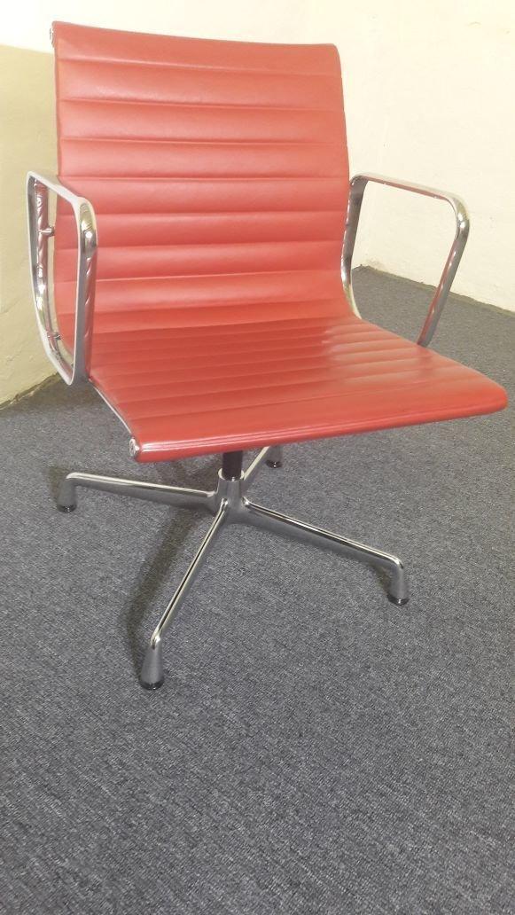 Vitra Aluchair Eames Drehstuhl EA 108 Leder Design Rot