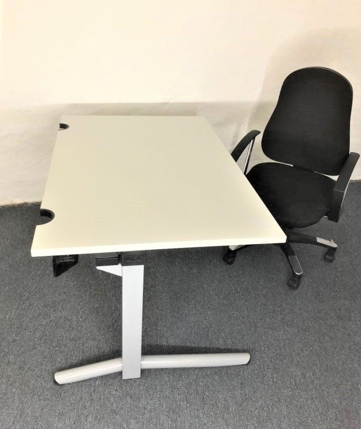 Set-Angebot: OKA Schreibtisch + Bürodrehstuhl Topstar 9020AG20 Trend SY 10