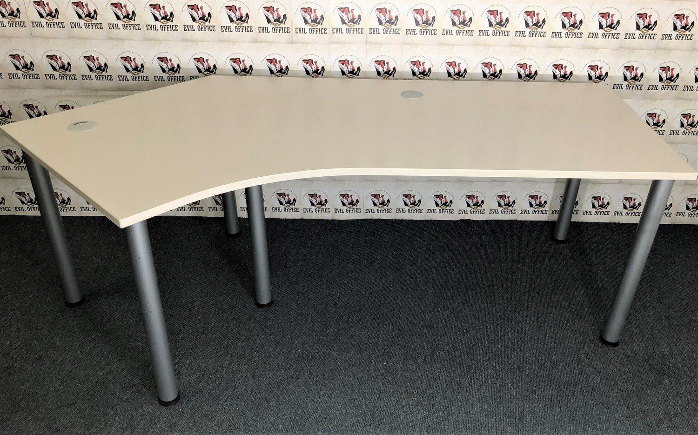 Schreibtisch in Cremeweiß Winkelausführung in Links 135°