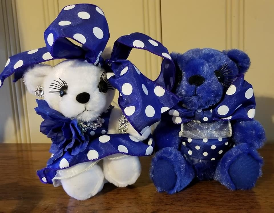 "6"" DRESSED plush bears"