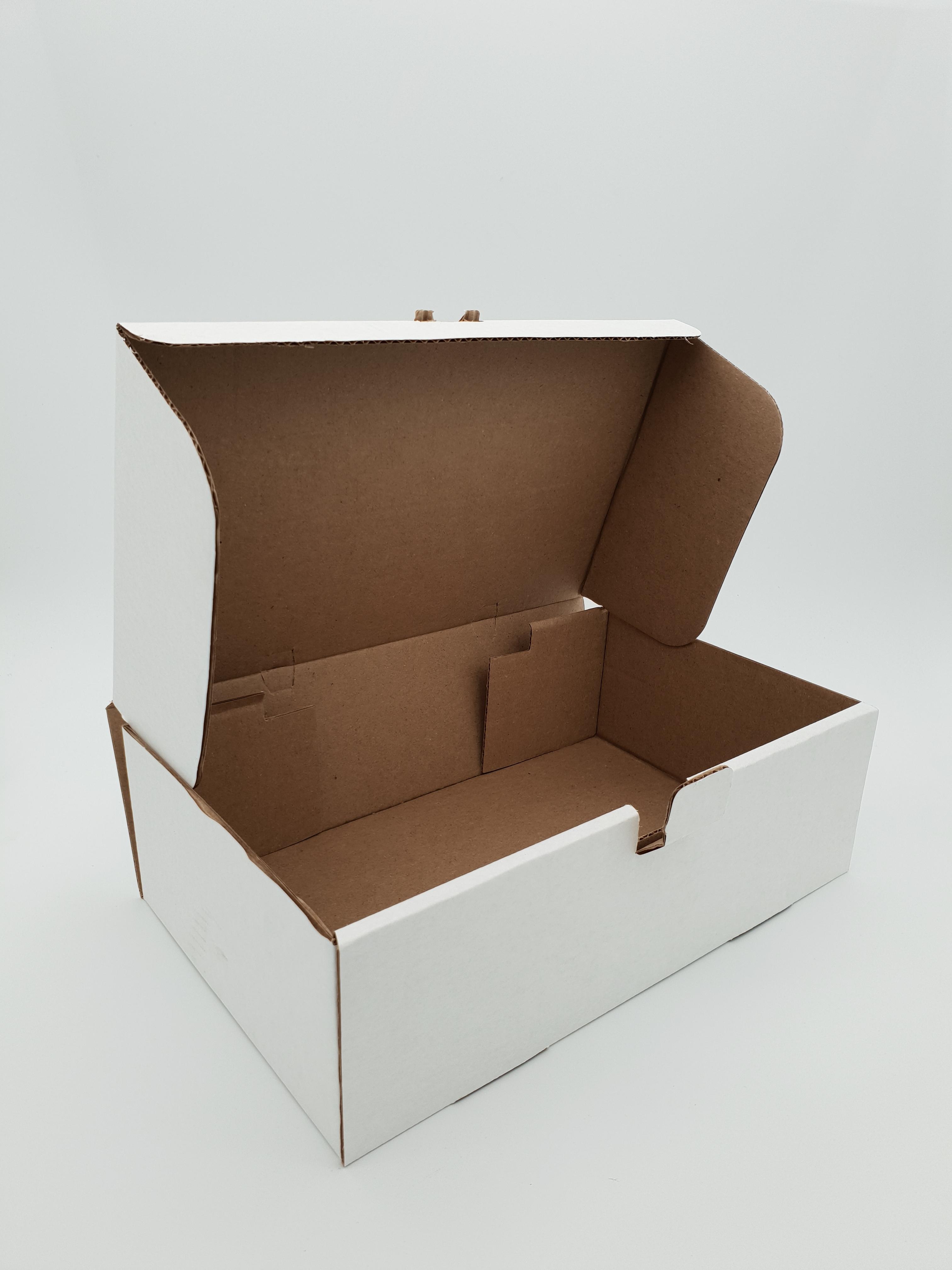 Box Corrugated Rib - 260 x 150 x 60mm - White