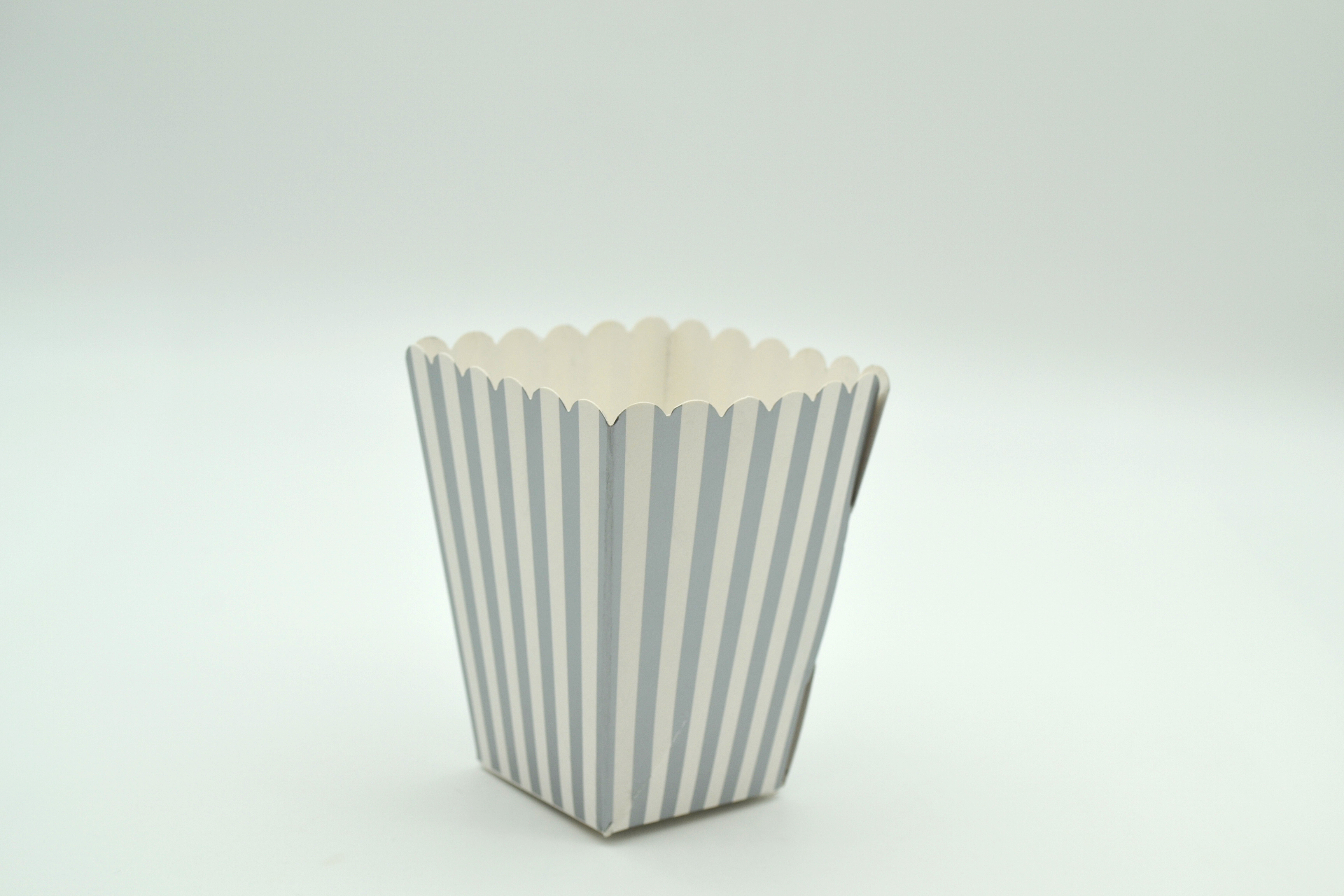 Box Popcorn Mini Silver 5 x 5 x 10 cm (each)