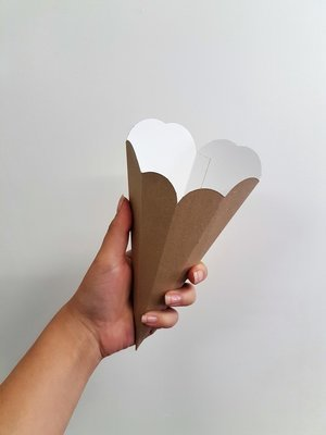 Paper Cone Scalloped Edges