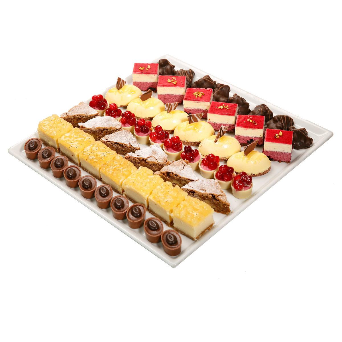 Jälkiruokavalikoima (15 kpl) bakery138