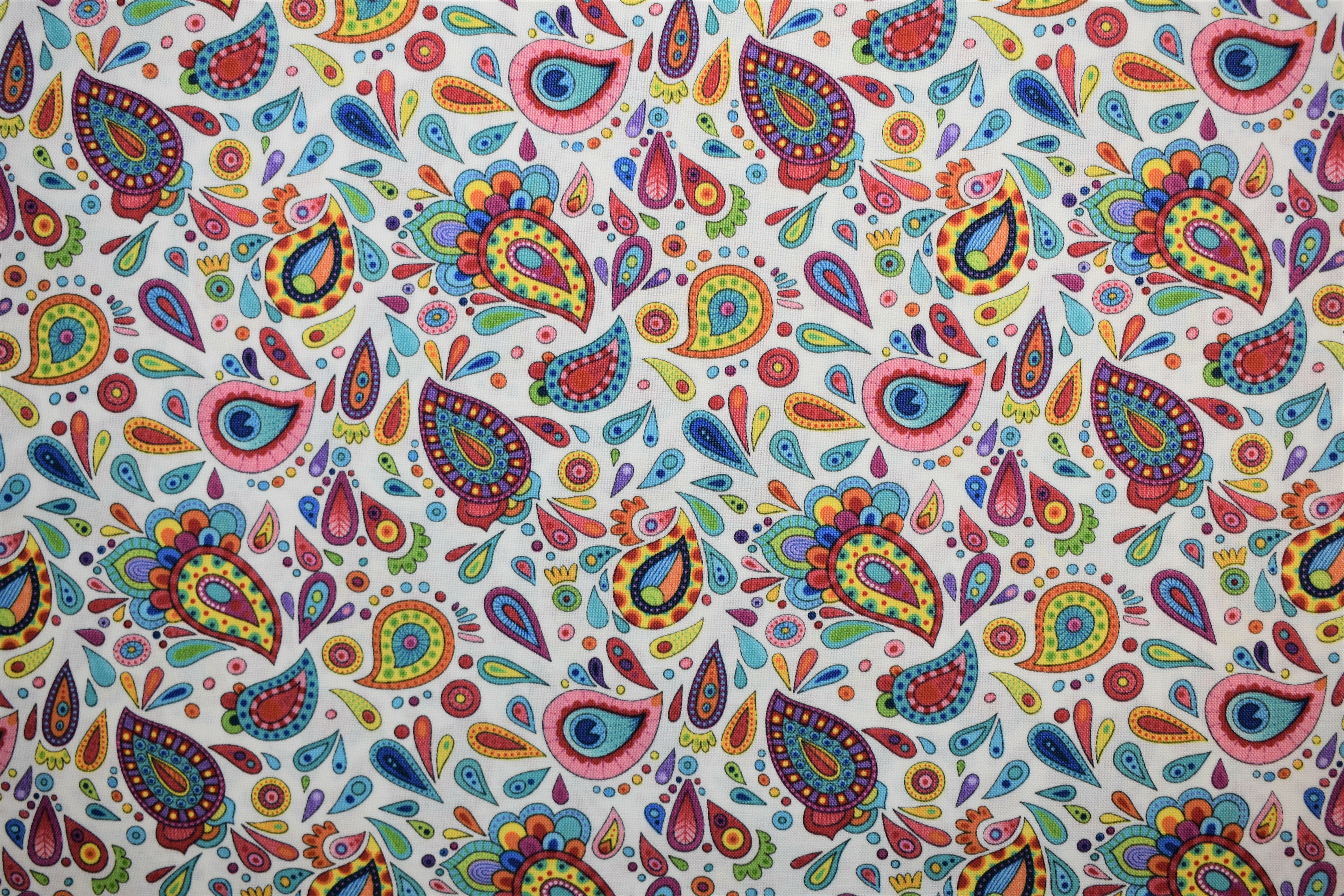 Live Out Loud - Small Paisley - Wilmington Prints 55003