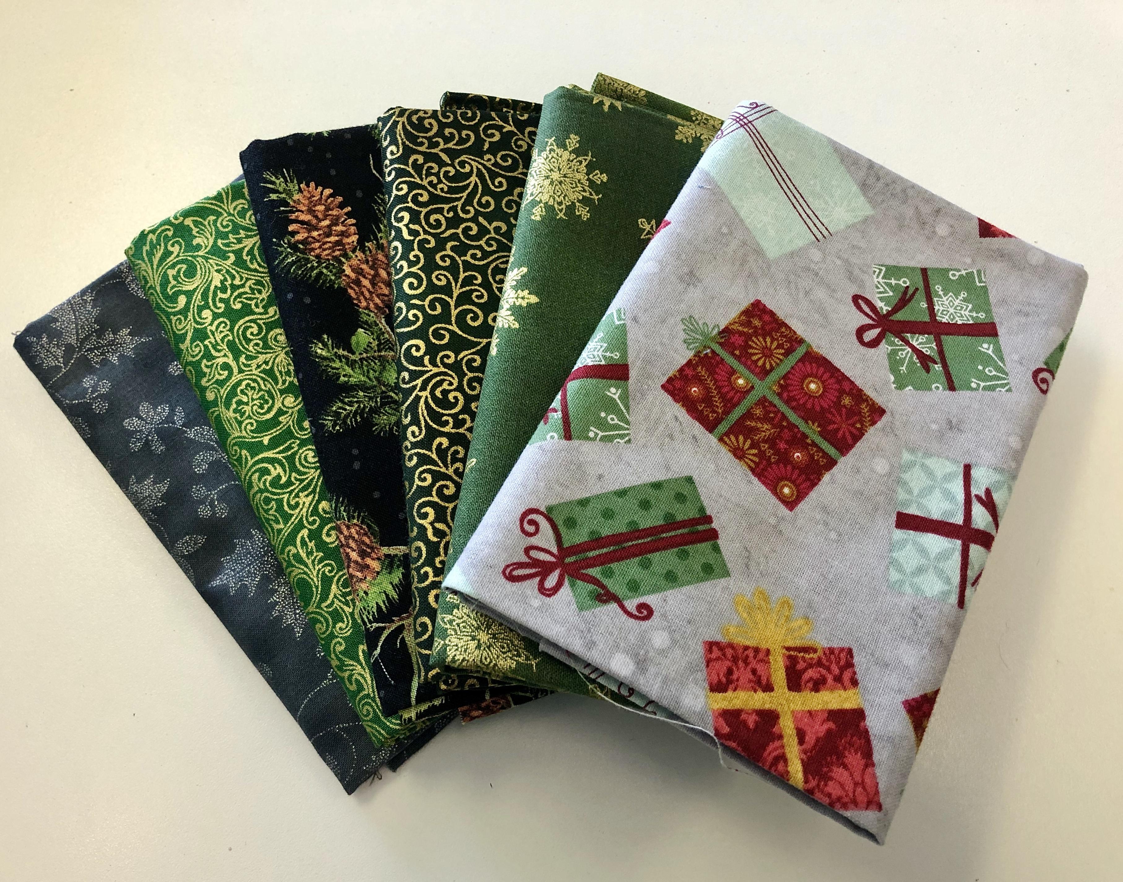 Christmas Fat Quarter Bundle 55510