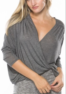 KNOT TWIST DRAPE TOP