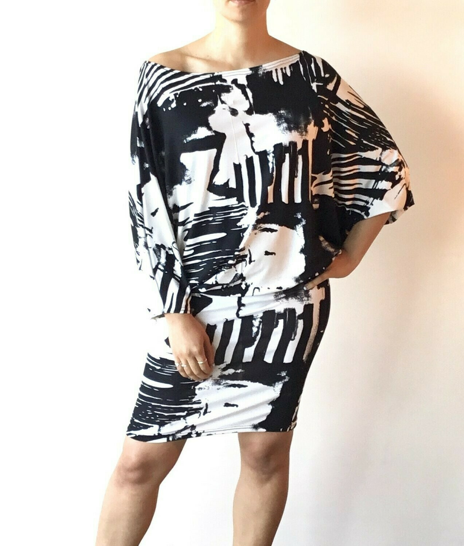 SUELLA DRESS BLACK & WHITE **EXCLUSIVITÉE**
