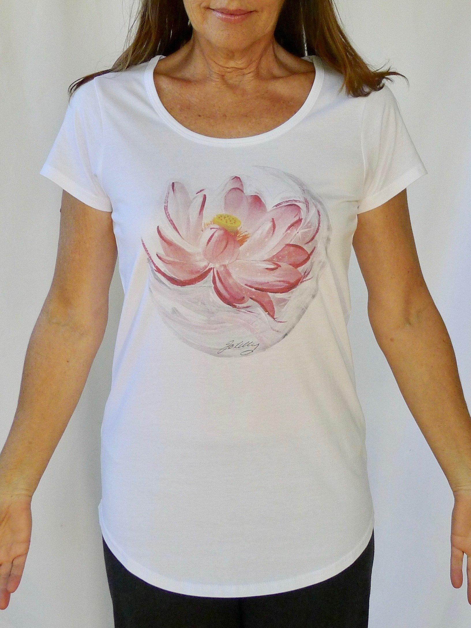 Lunar Lotus Yoga Tee 00008