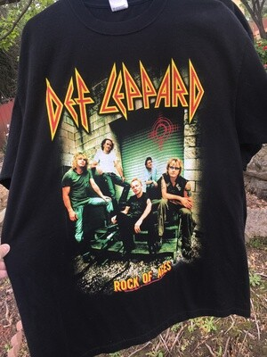 Def Leppard ~ Rock Of Ages ~ (2005) Tour T-Shirt ~ Adult Unisex Extra Large (XL)