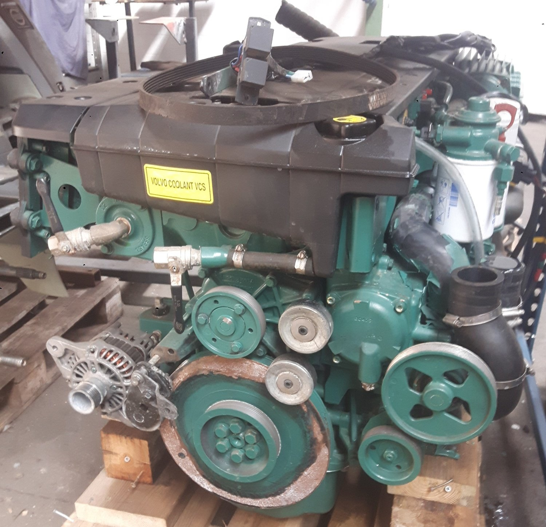 Højmoderne Volvo Penta D6-330 inboard diesel engine in good condition coming UD-61