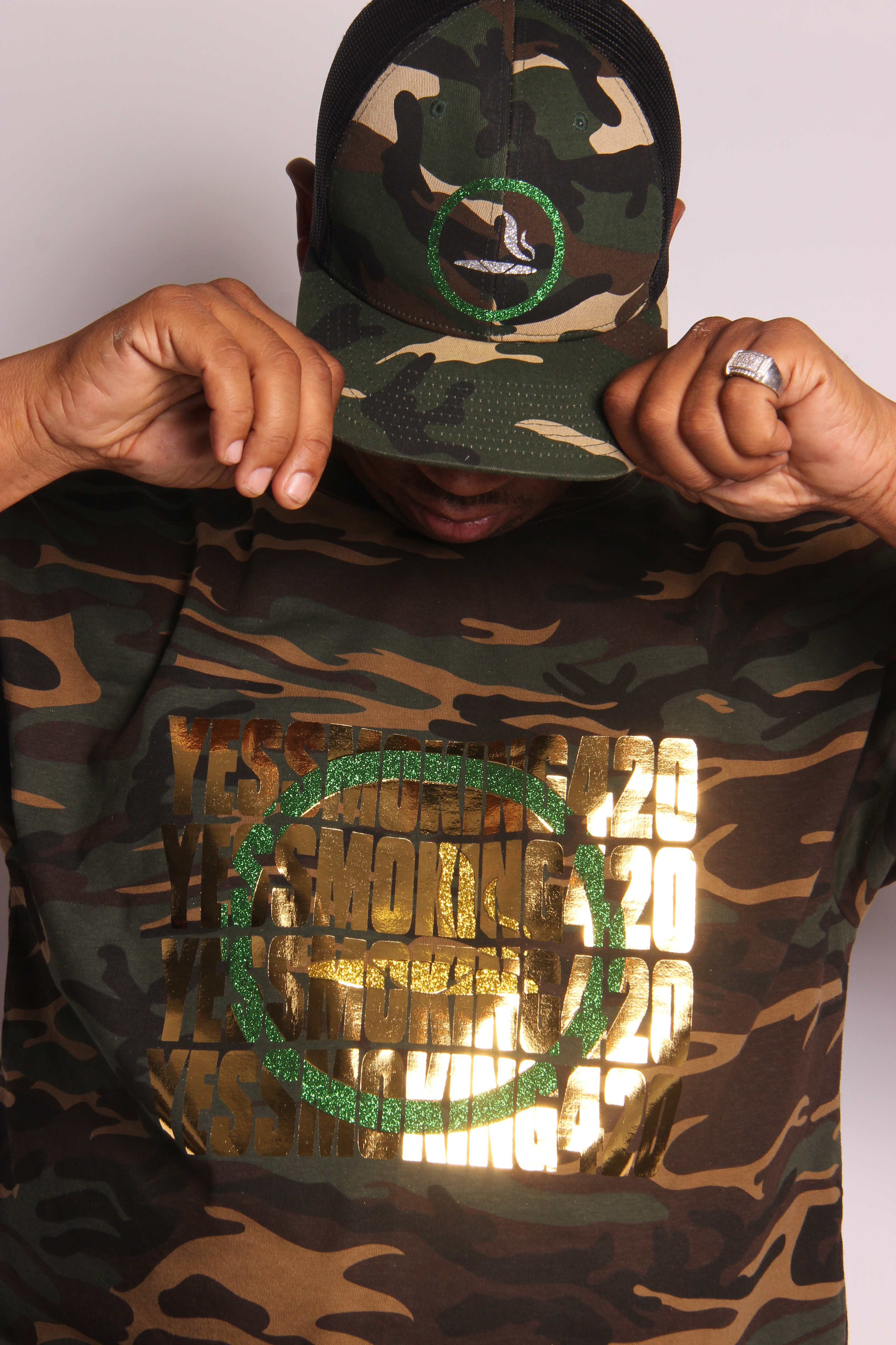 CAMOFLAUGE YES SMOKING 420 KNOCKOUT T-SHIRT 00008