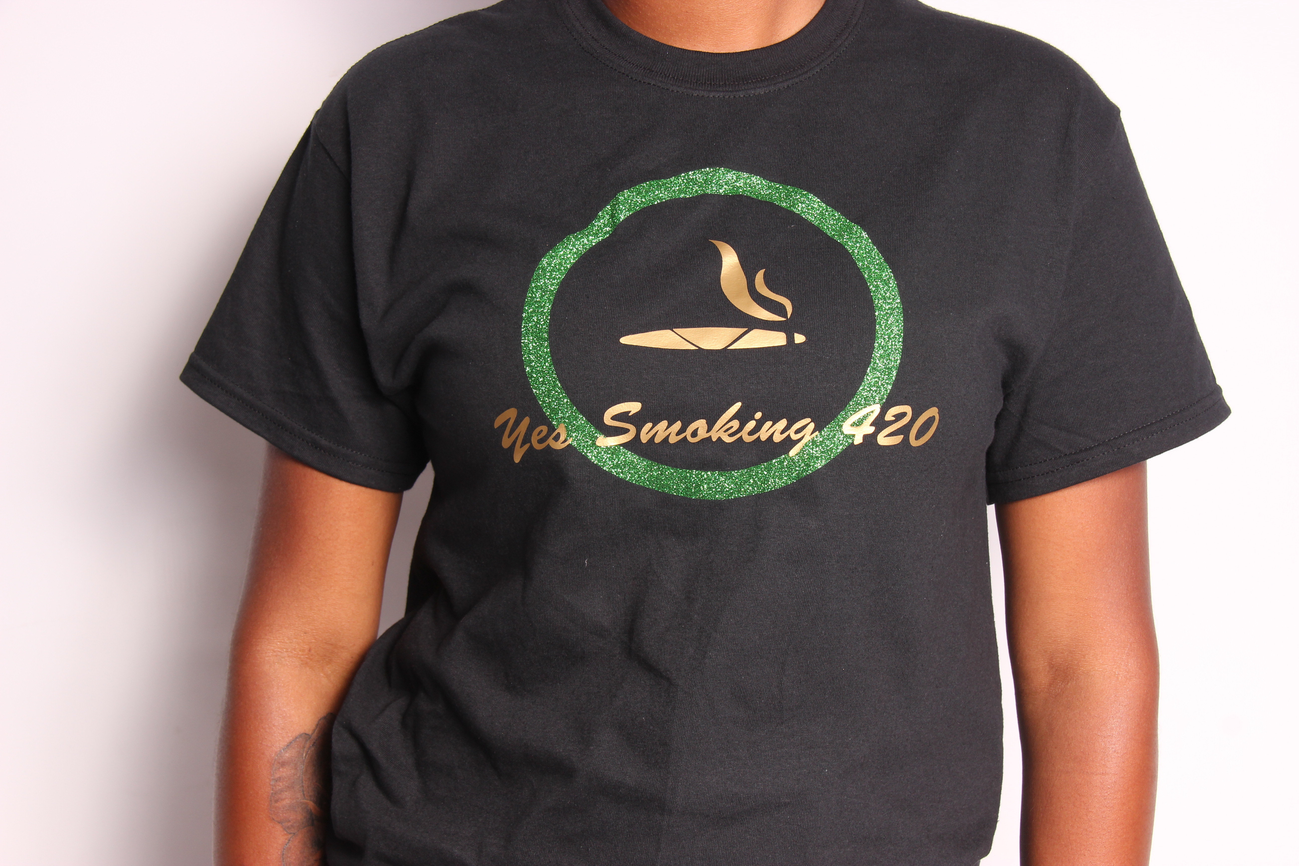 Yes Smoking 420 T-shirt ( grn glitter gold foil design )or grn/silver 00004
