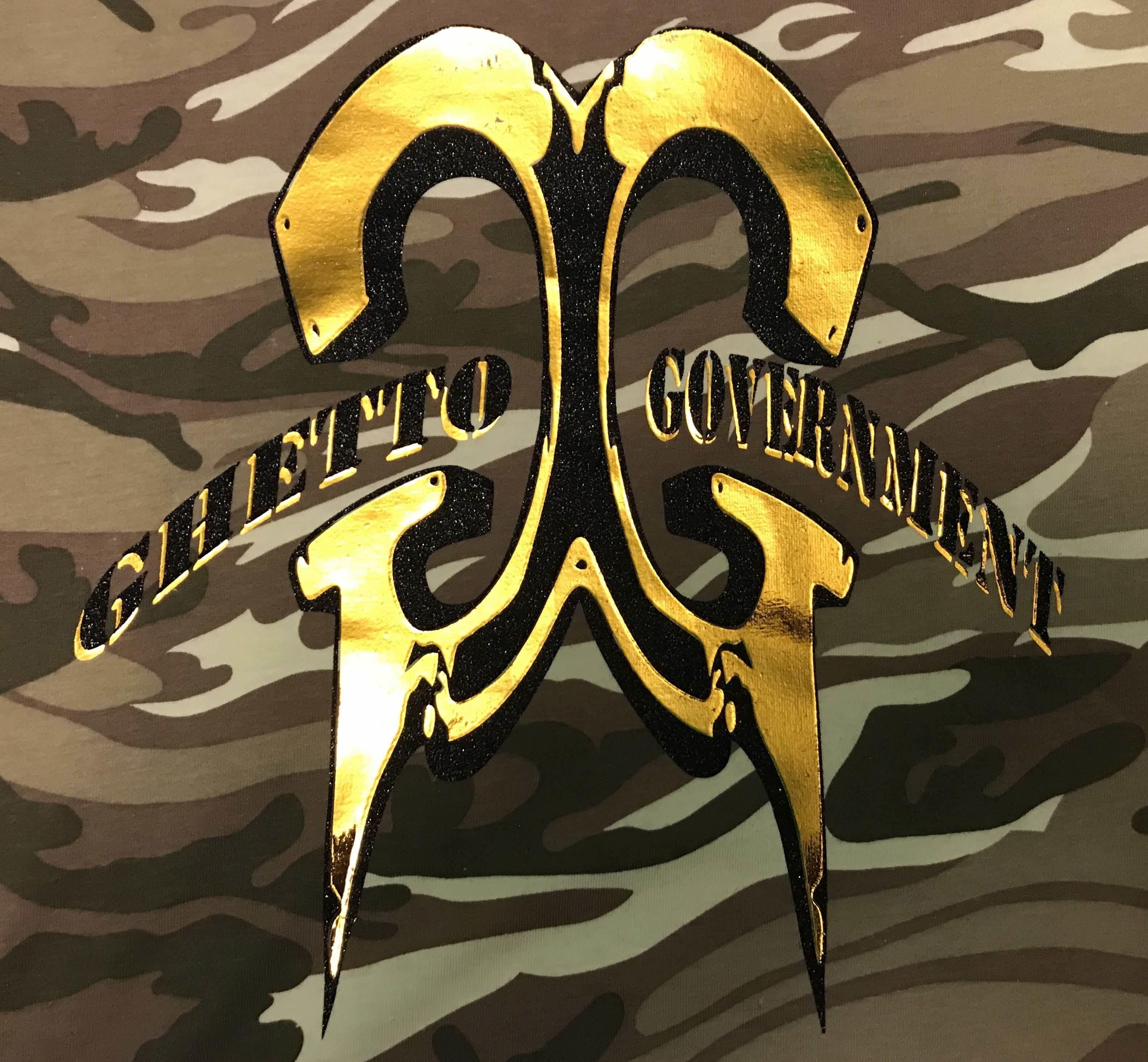 Ghetto Government sand Camo Tee gld/blk logo 00027