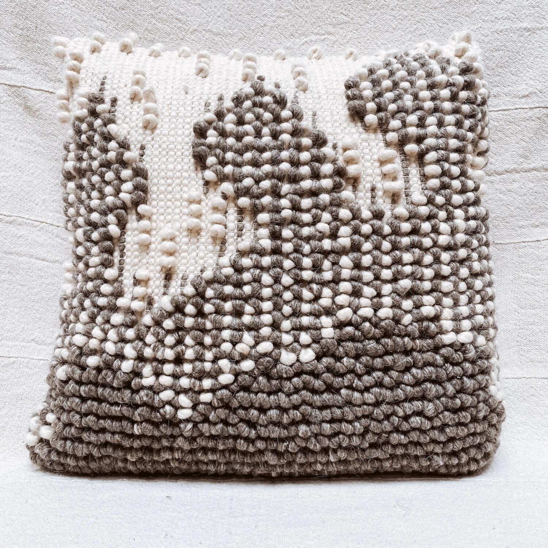Nubby wool pillow df0681