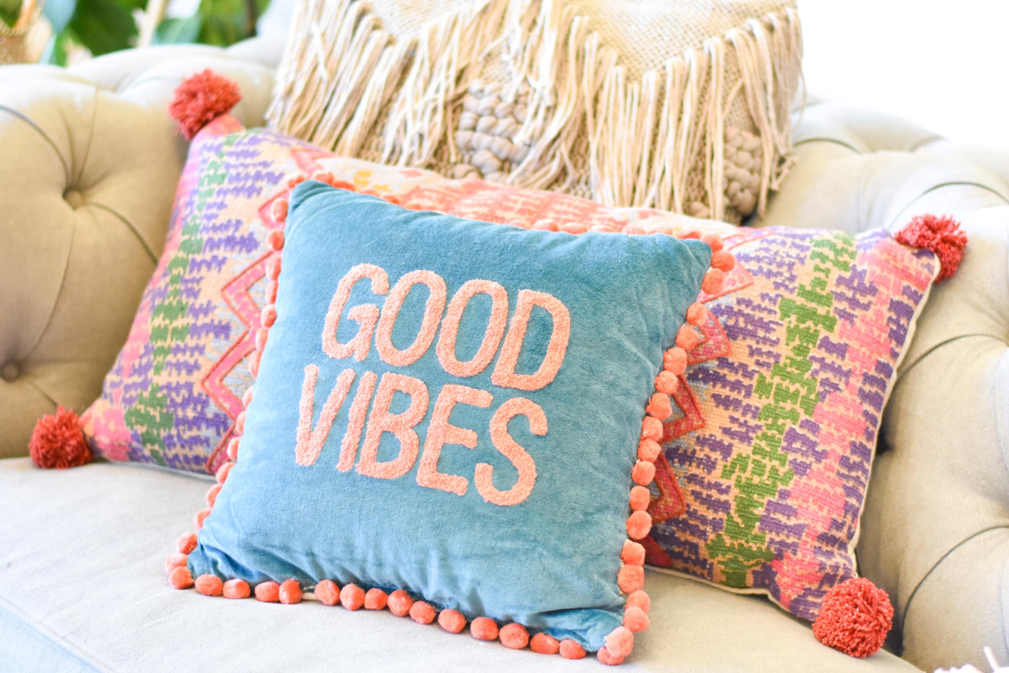 pillow good vibes 39115 KYTS92CWBC77A