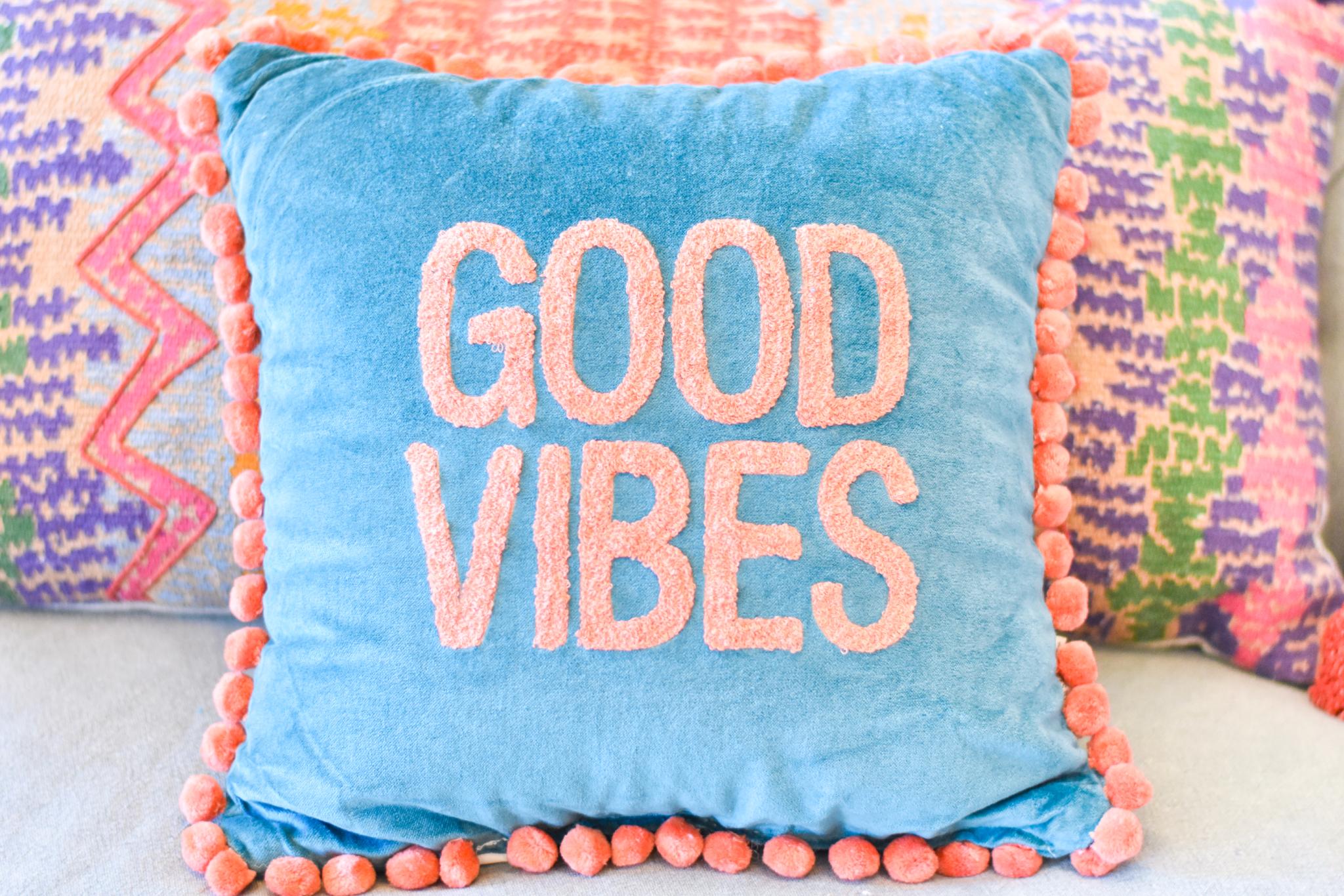 pillow good vibes 39115