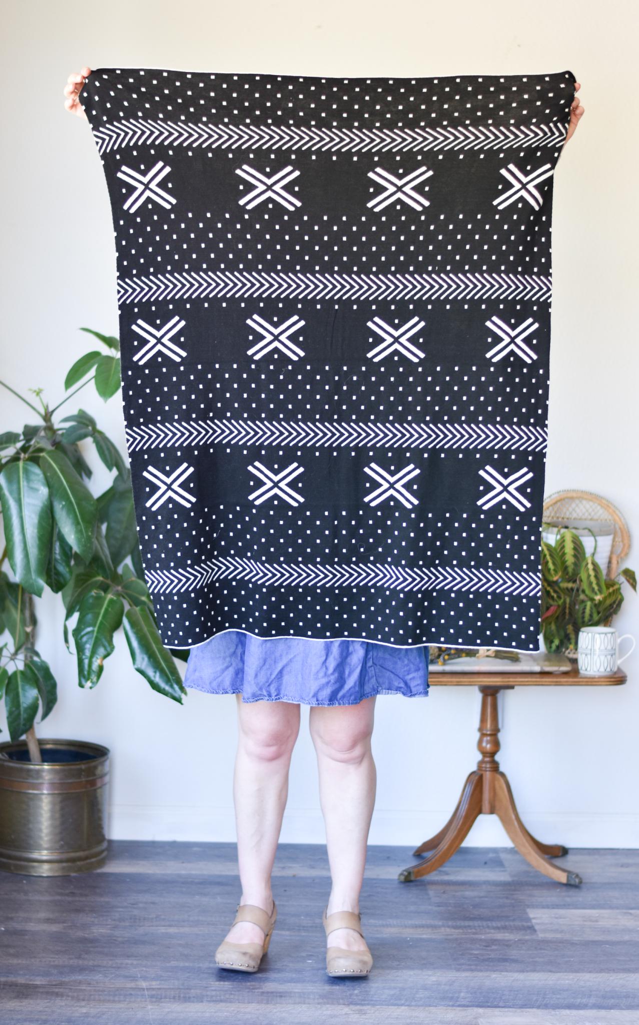 Cotton Knit Black and White Throw Blanket df0021