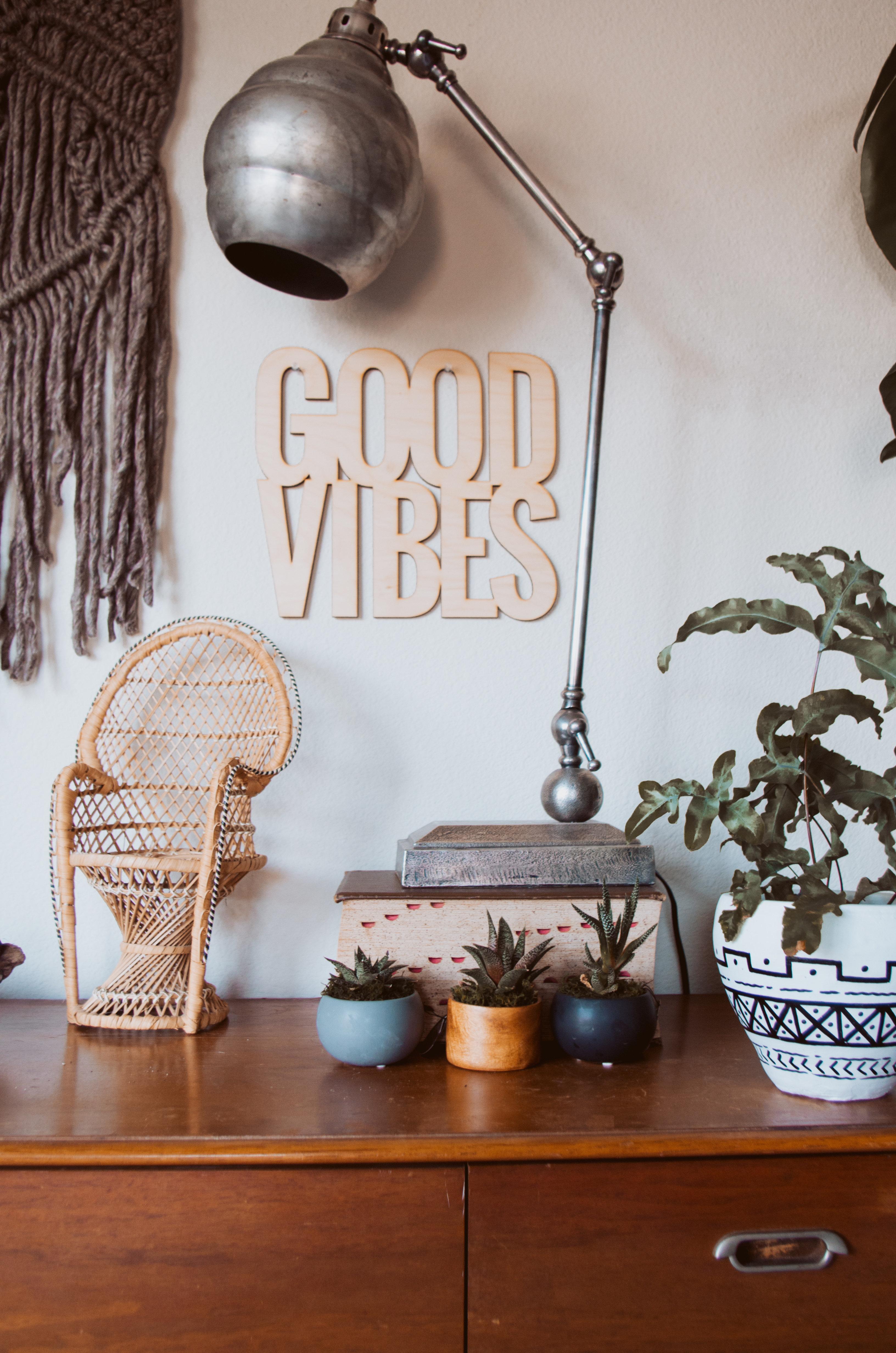 Signage Good Vibes 00ZM50FF2Q222