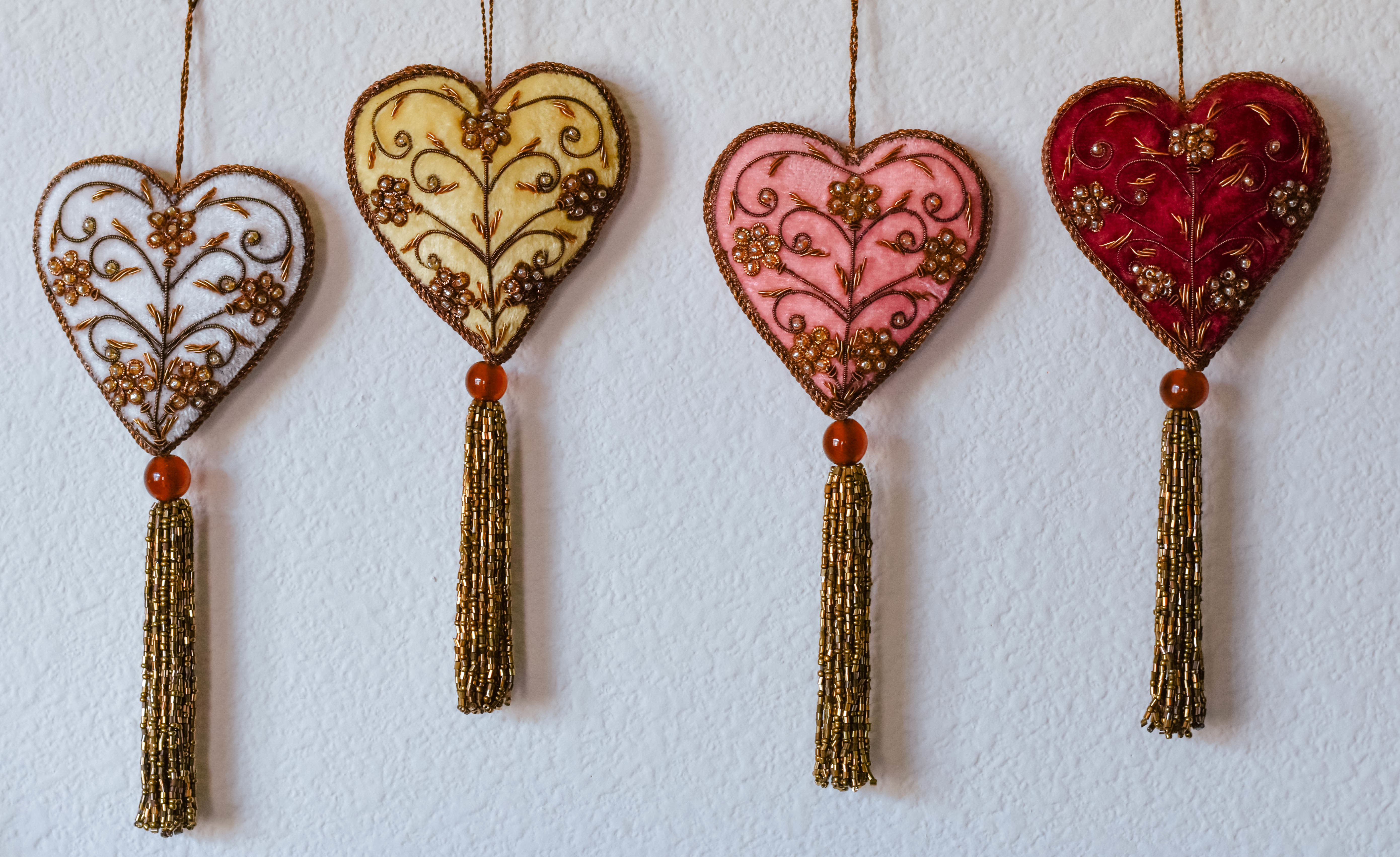 hand embroidered heart ornament xm1696a