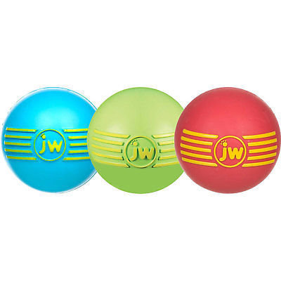 JW iSQUEAK BALL Medium (7cm Diameter)