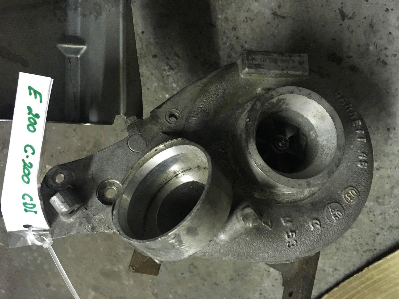 Mercedes-Benz 220 TDI    Turbolader